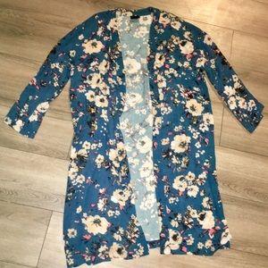 NWOT lumiere womens floral kimono